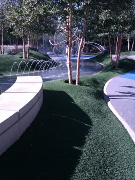 klyde warren park fountain